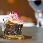 和牛肉と堀川牛蒡のトロトロ煮込み 生マッシュルームのサラダ