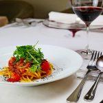 スパゲットーニ・ジターナ サンマのオイルコンフィ サラダ春菊 ブラックオリーブの粉 ンドゥイヤ