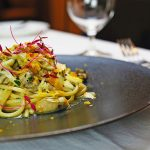 スパゲッティ 塩漬け牡蠣のペペロンチーニ 発酵白菜 黄柚子 イタリアンパセリ