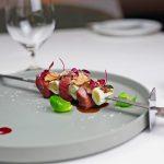シャラン鴨のねぎまスピエディーニ フォワグラ 紅蓼スプラウト アマランサス